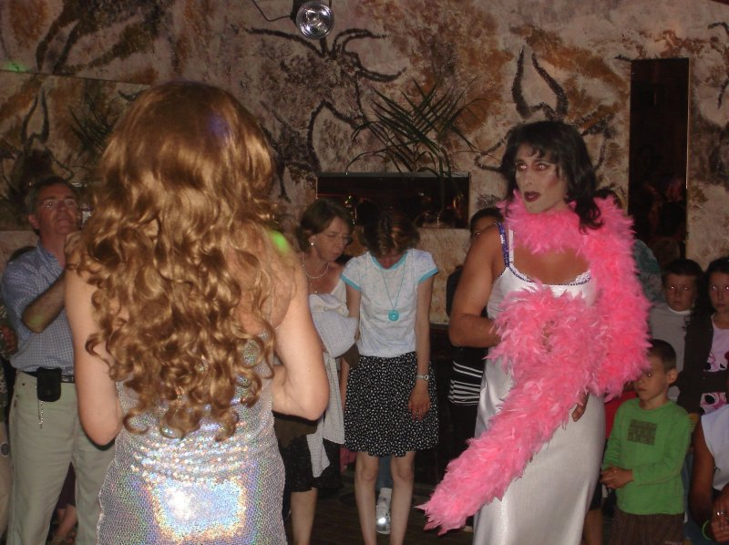 discotheque_soiree_travestis_2