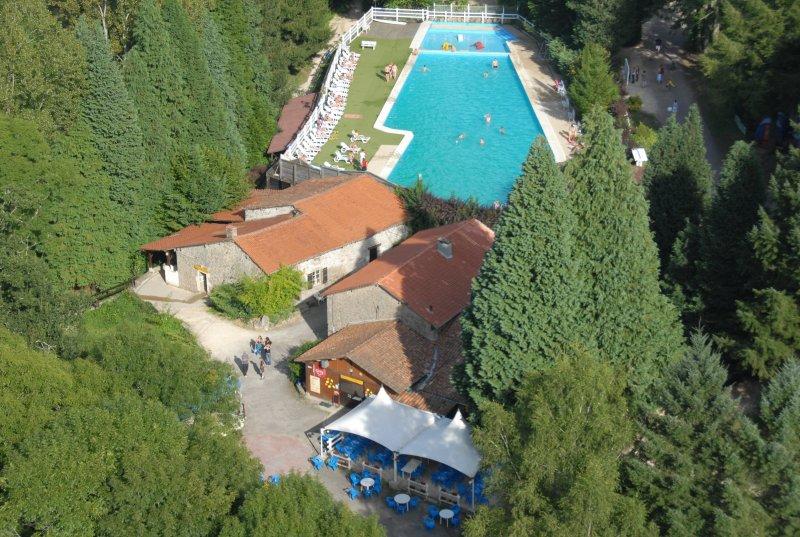 aerienne_restaurant_piscine