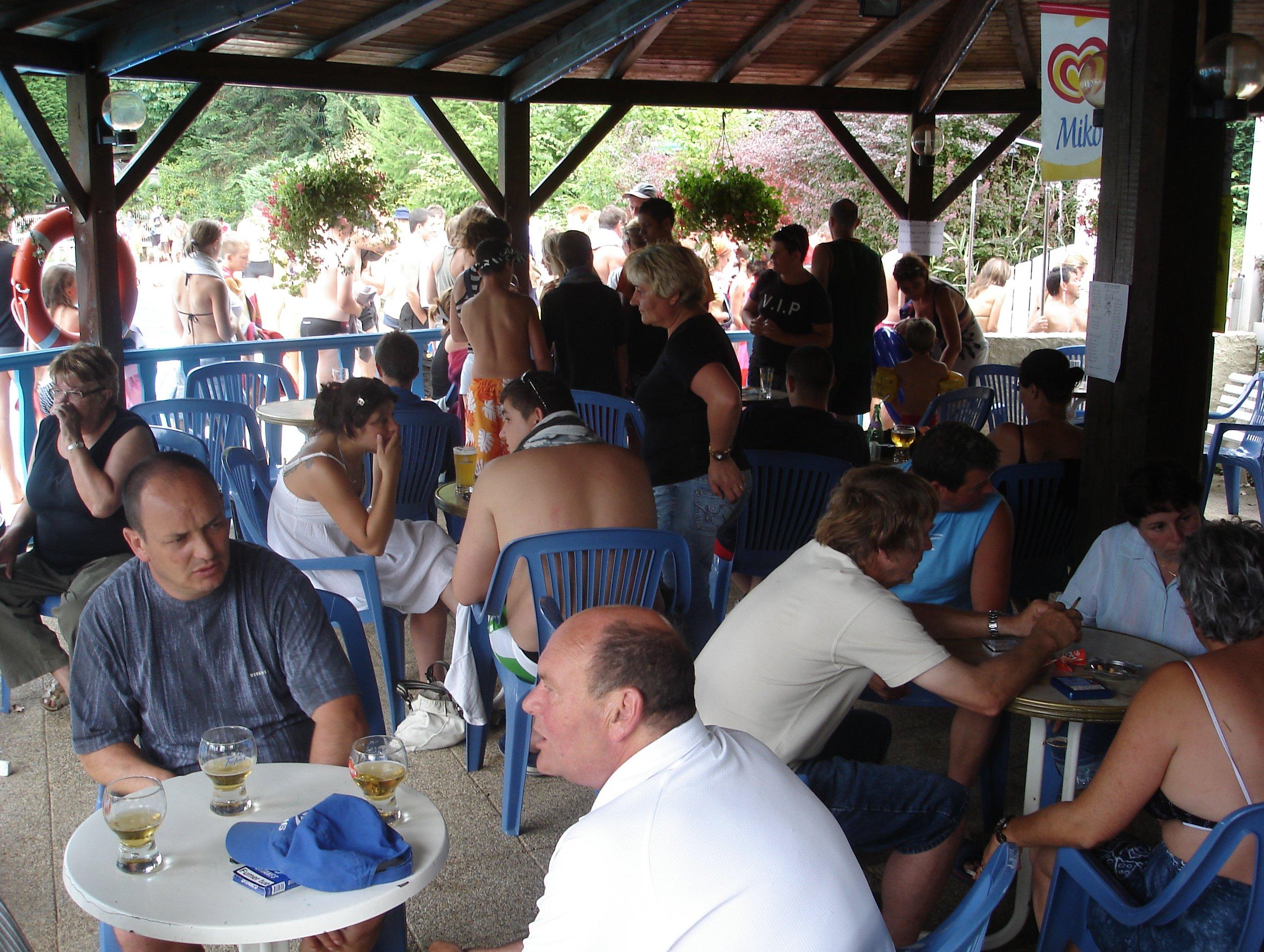 bar_de_la_piscine_3