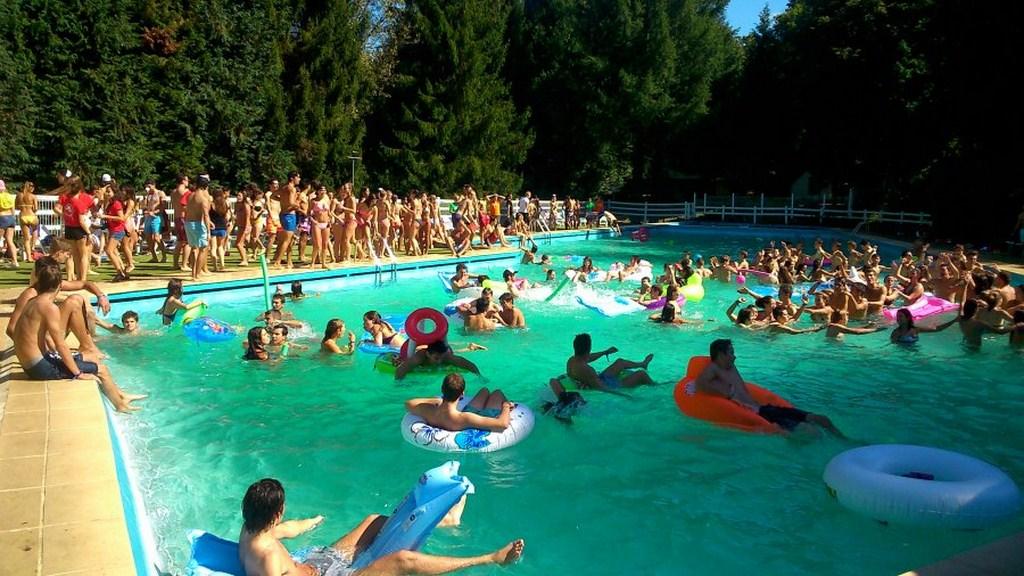 piscine groupe6-900 (Copier)